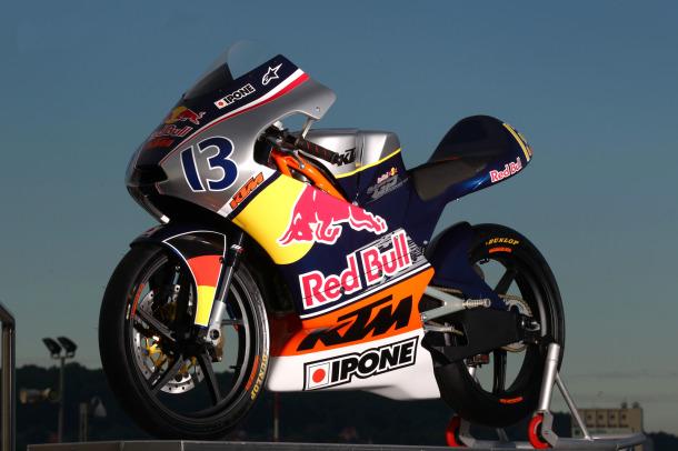 Red Bull MotoGP Rookies Cup 2013 con calendario y lista definitiva dice adiós a los 2 tiempos