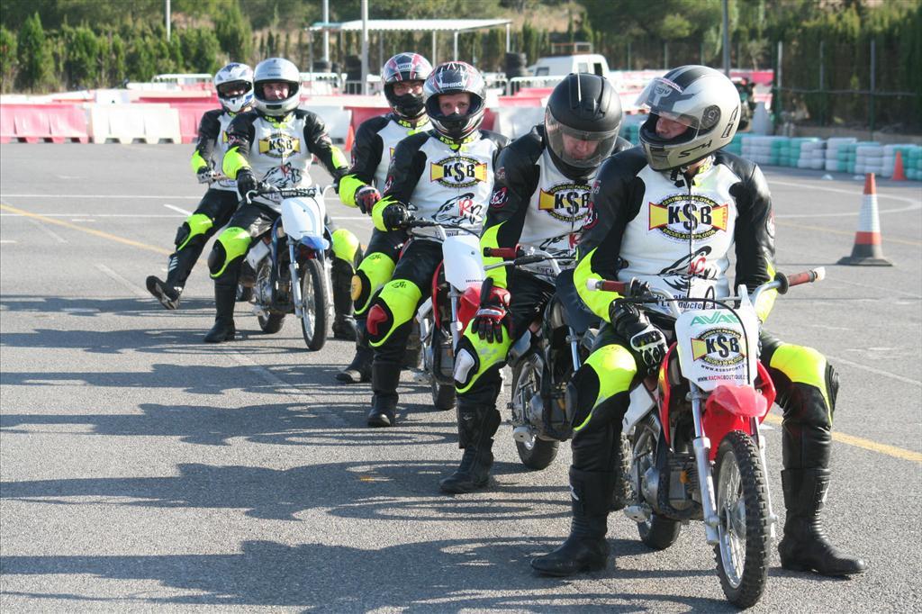 Curso de pilotaje para adultos Circuito entrenamiento Sacacorchos en Madrid 3 marzo plazas muy limitadas