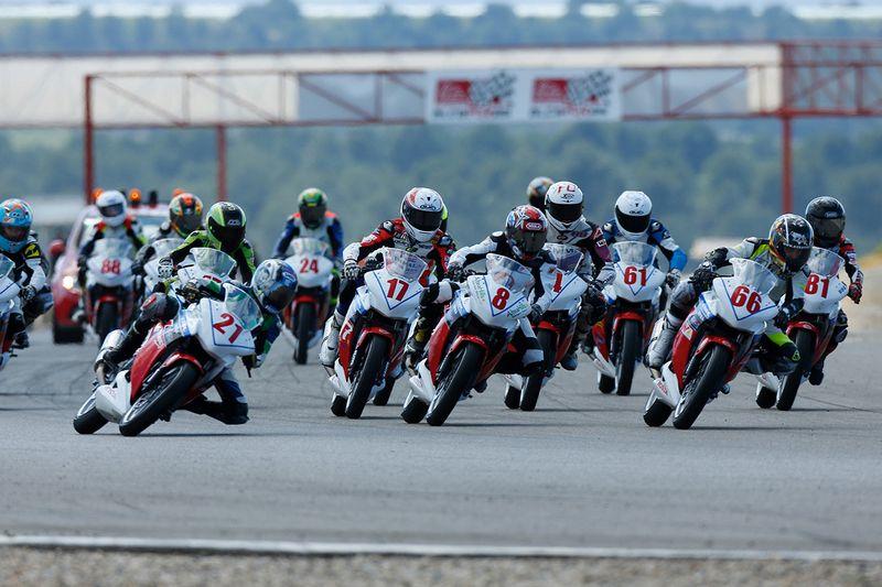 La copa Honda  CBR250R cuenta con una nueva prueba en Cheste 2013