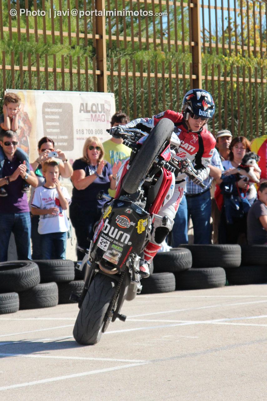 Vídeo: Exhibición de Stunt de Emilio Zamora en VillaRace (Madrid)